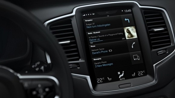 Google presenta il suo sistema operativo Android Auto per automobili