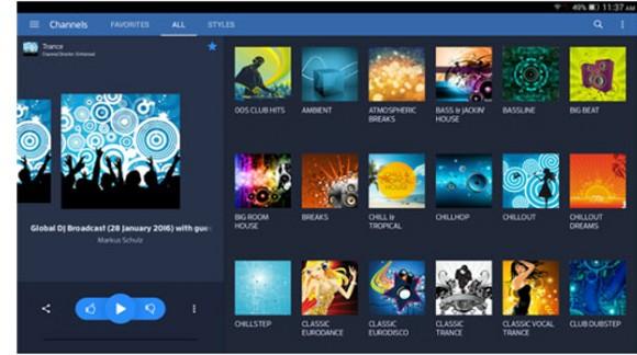 Digitally Imported - servizio radio via Internet di musica elettronica in esclusiva per le autoradio SMARTY Trend