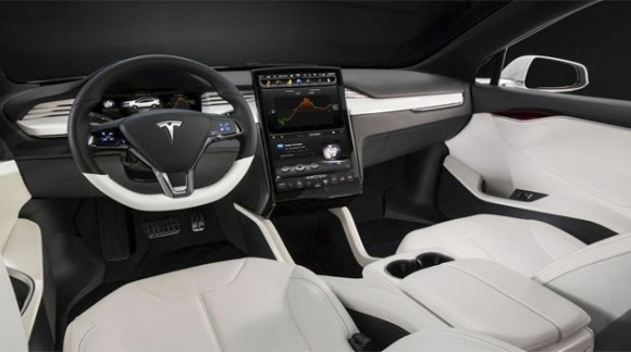 L'autoradio Tesla Style con un grande schermo verticale per Toyota Camry V55